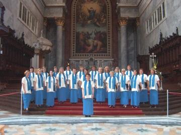 Esztergomin Basilika on suosittu turistikohde, ja jo harjoitteluamme seurasi vaihtuva yleisöjoukko.